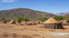 Ovahimba-Dorf