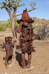 Ovahimba Frau mit Kinder