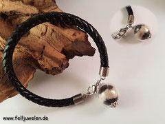 Bild 26; Geflochtenes Lederband mit einer gefüllten Glasperle (16mm), angebracht an einem Edelstahlberschluss. Preis 32 Euro