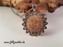 Bild 38: Medaillon in silber mit einer Fellscheibe. Preis: 23 Euro