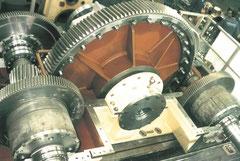 Reparación reductor Zamech. Catálogo repuestos y despiece de recambios para reparar inversor Zamech. Engranaje, bomba y discos embrague Zamech.