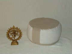 """Meditationskissen """"Shanti"""" Artikelnummer 07 /Reines Leinen /Shanti weiß Natur/ Größe  I -  74 €"""