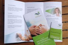 Gestaltung von Drucksachen für die ELBLAND-Polikliniken. Hier zur Neueröfffnung der Praxis für Naturheilkunde und Osteopathie Flyer und Terminkärtchen
