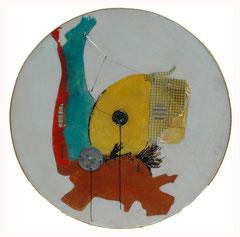 Mondoñedo / 109 diámetros x 19 cms / Ensamble cinético técnica mixta: oleo y acrílico, plástico, vidrio y metal