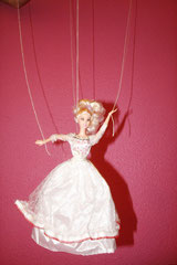 Ni Barbie ni marioneta. Por, José Antonio Castro (1º bach.), 2012