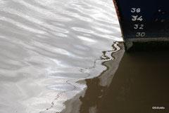 Besser: 'ne Handbreit Wasser unterm Kiel!