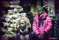 """Warme """"Klamotten"""" im Schaufenster ..."""