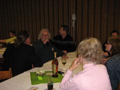 Micha, Detlef, Mama, Moni. Hinten rechts der KV. Vorsitzende Uwe Hertrampf.