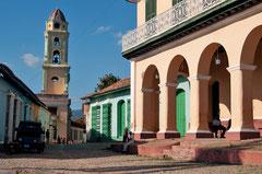Plaza Mayor, Glockenturm des ehemaligen Franziskanerklosters