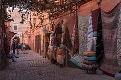 Auf dem Markt, in den Souks, Teppiche