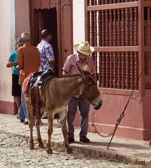 Einkauf. Streetphotography Cuba