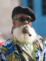 Mann mit Zigarre, Havanna, Streetlife