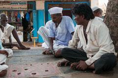 Indien, Badami, Zeitvertreib mit Spielen