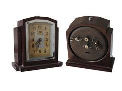 "Uhr/ Wecker, JAZ ""LE FONIC"", 1931 GWO - Höhe 12.3 cm, Breite 11.8 cm, Tiefe 63 cm"
