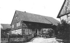 Dieser Bauernhof war das Elternhaus von Marga Brandt, es stand direkt vor der Kurve zur Schwiegershäuser Straße