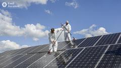 Reinigung Photovoltaikanlage_Hausservice Sigi_Gebäudereinigung_Industriereinigung