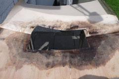Hier half nur noch eine Neuanfertigung, da die Holzplatte der Verkleidung komplett morsch war