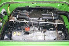 Blick in den Motorraum eines 70 PS Luftboxermotors. Achtet auf Ölundichtigkeiten, Dichtheit der Wärmetauscher/Abgasanlage und sauberen Motorlauf. Defekte oder unsachgemäße eingestellte Vergaser machen ihn zum Säufer.