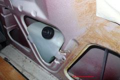 Rostförderer im Verborgenen, ist der Waschwasserbehälter vom Heckwischer jahrelang undicht, wird der Nahtrost von innen fleißig vorangetrieben.