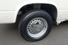 Achtet bei Felgen-/Reifenkombinationen auf Größe, Traglast und bei Fremdfelgen auf eine TÜV-Abnahme