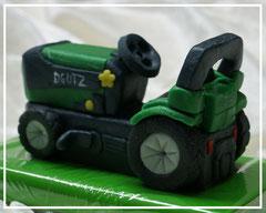 Marzipanauto, Traktor Trettrecker