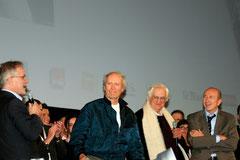Thierry Fremaux, Clint Eastwood,  Bertrand Tavernier et Gérard Collomb - Festival Lumière 2009 © Anik COUBLE