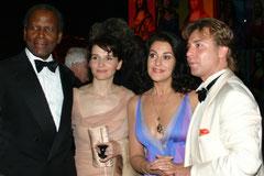 Juliette BINOCHE,  Sidney POITIER et Roberto ALAYA  - Festival de Cannes  2006 © Anik COUBLE