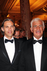 Jean-Paul BELMONDO et son fils Paul - Festival de Cannes 2011- Photo © Anik COUBLE