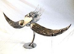 Signature  Hauteur 48cm, L 103cm    Inox