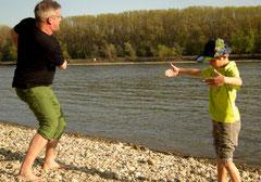Solche Brocken kann Papa Butschbacher übers Wasser springen lassen ...