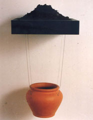 Offerta. legno,terracotta, fili di acciaio,terra.cm 40x90x40.1993
