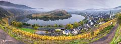 Panoramafotografie: Bremm, gelegen aan rivier De Moezel bij Ediger Eller.