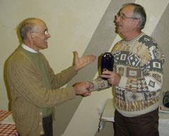 JM Méthais remet la récompense à G Vergnaud