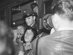 Elvis Presley trifft am 01.10.1958 ca. 19:30 Uhr mit dem Zug aus Bremerhaven in Friedberg ein. In Friedberg ist er stationiert. In Bad Nauheim wohnt er privat. Elvis has left the building and Germany am 02.03.1960.