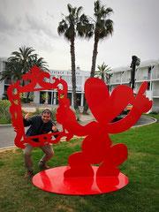 FABEN-Mister Love- sculpture monumentale exposée à l'hotel Beachcomber French Riviera- Sophia Antipolis