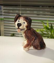 Sitzender Hund (2012)