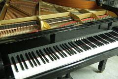 中古ピアノ ヤマハC3Bの正面側