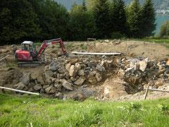 Jetzt können wir mit der Natursteinmauer beginnen