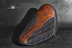 Polynesia Design für ein Custombike Leder Punziert/Alcantara Mix
