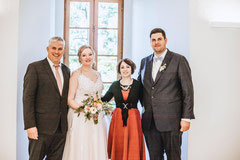 Hochzeitssängerin Juli mit Brautpaar Sabrina und Thomas