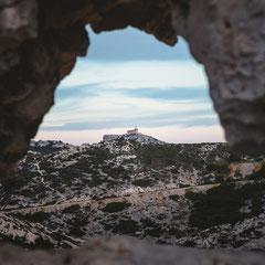 Fenêtre sur le sémaphore de Callelongue