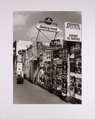 Underground. Cologne, Germany - 2010 (Silvergelatineprint in Passepartout 40 x 50 cm, Edition of 15)