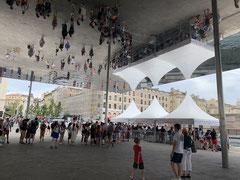 Jean-Louis : Ombrière sur le vieux port à Marseille