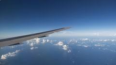 Monique : Ciel en avion