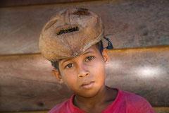Francis : Moluques, Indonésie
