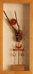 idole - racine de bruyère, émail sur cuivre, boîte vitrée 40x60 cm