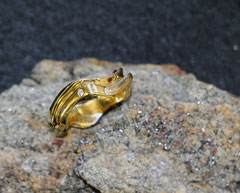 #ring #gold #diamonds #jewellery #artjewellery