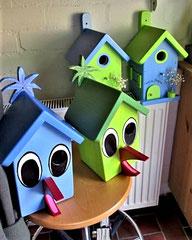 """Houten Nestkastje , """"Nestkastjes in vorm van Vogel groen en blauw , Details, Vogelhuisje bouwen als Vogel"""