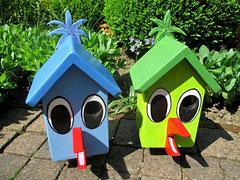 """Houten Nestkastje , """"De Vogel"""", blauw en groen, Details, Vogelhuisje bouwen, Vogelhuisje  in vorm van vogel, voorkant"""