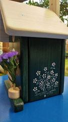 houten nestkastje woudgroen met vogels_4